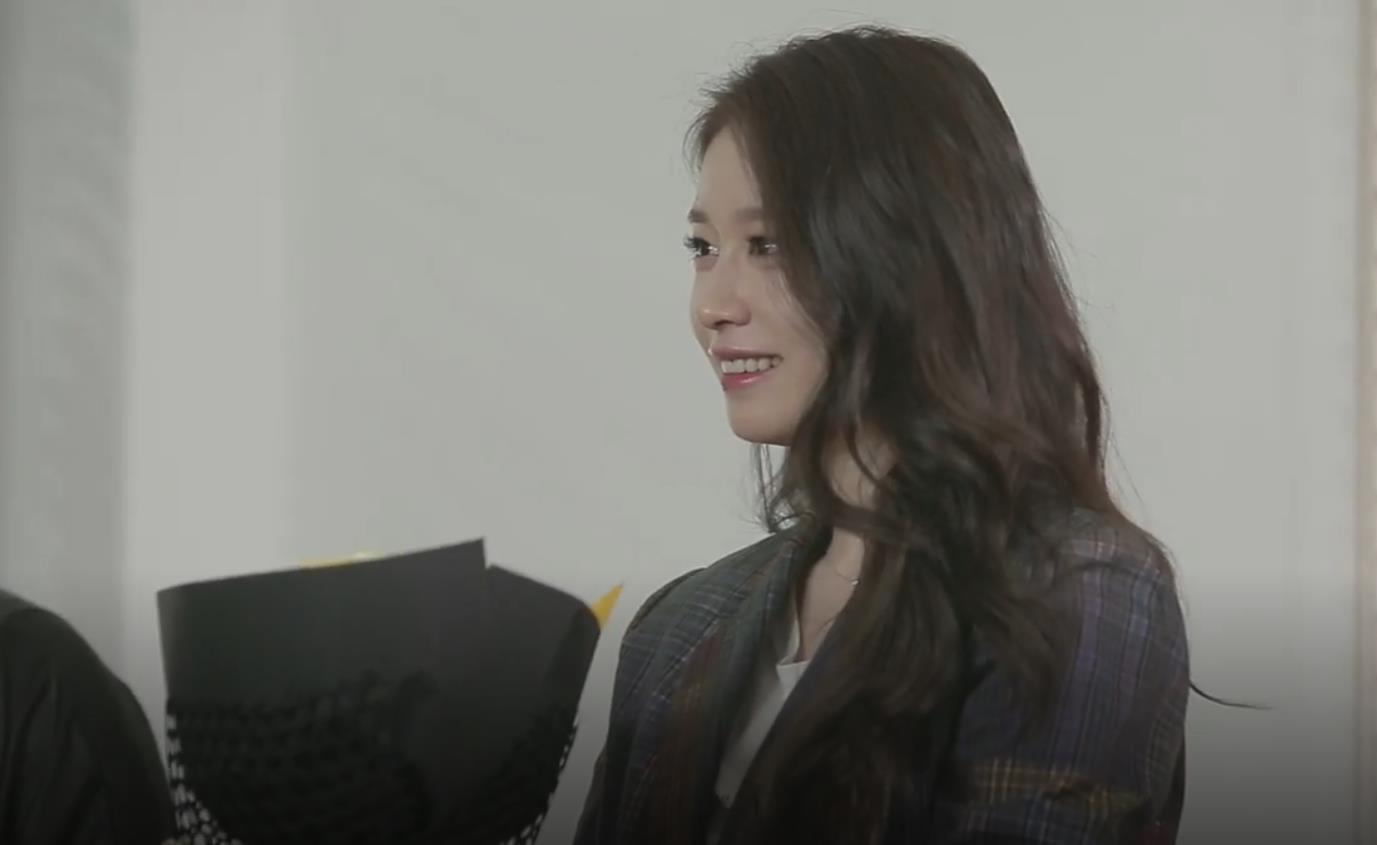 """Lộ khoảnh khắc cực tình cảm giữa Soobin Hoàng Sơn và Ji Yeon khi quay MV """"Đẹp nhất là em - Ảnh 2."""