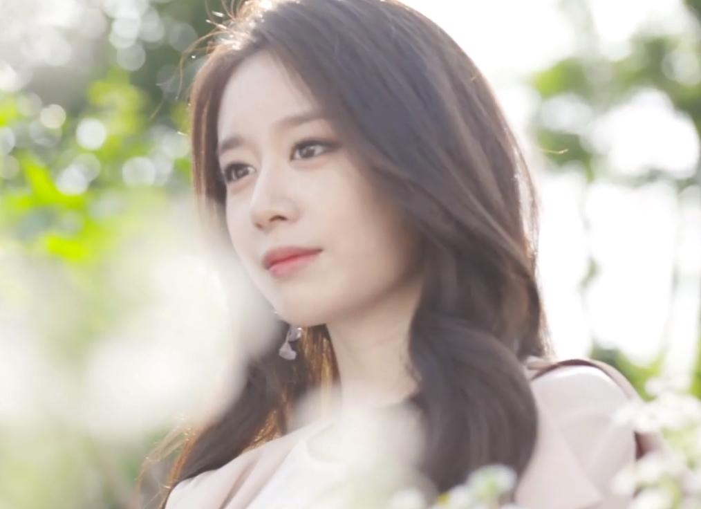 """Lộ khoảnh khắc cực tình cảm giữa Soobin Hoàng Sơn và Ji Yeon khi quay MV """"Đẹp nhất là em - Ảnh 4."""