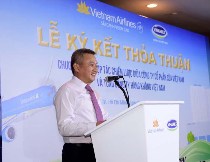 Vietnam Airlines và Vinamilk ký kết hợp tác chiến lược - Ảnh 1.