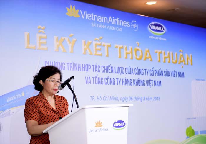 Vietnam Airlines và Vinamilk ký kết hợp tác chiến lược - Ảnh 2.