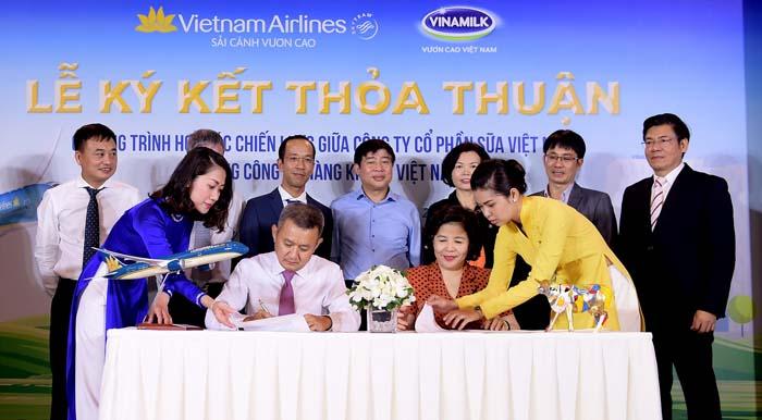 Vietnam Airlines và Vinamilk ký kết hợp tác chiến lược - Ảnh 3.