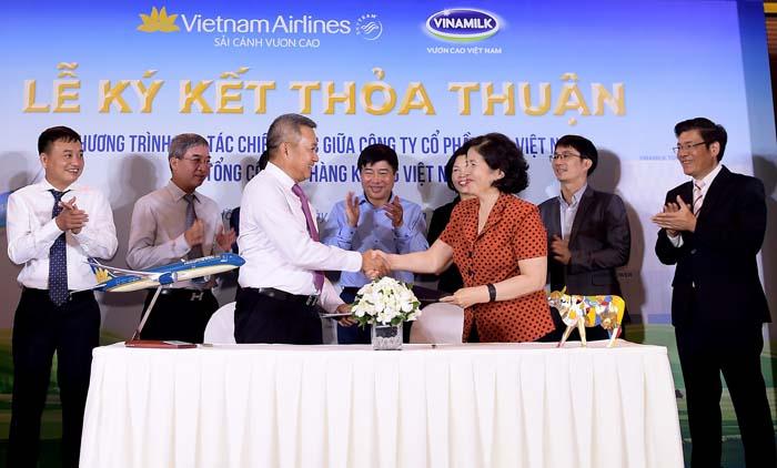 Vietnam Airlines và Vinamilk ký kết hợp tác chiến lược - Ảnh 4.