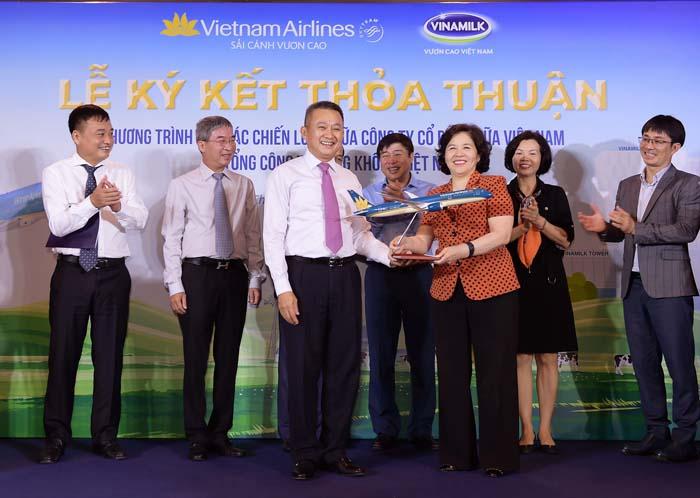 Vietnam Airlines và Vinamilk ký kết hợp tác chiến lược - Ảnh 5.