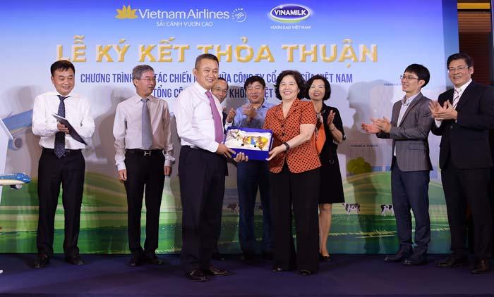 Vietnam Airlines và Vinamilk ký kết hợp tác chiến lược - Ảnh 6.