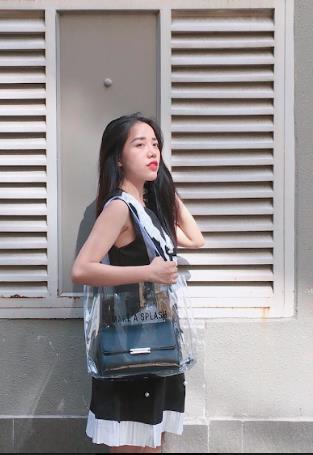 Chiếc túi nào đang khiến các hot girl Instagram Việt phát cuồng trong mùa Summer Fall 2018ZZZ - ảnh 5