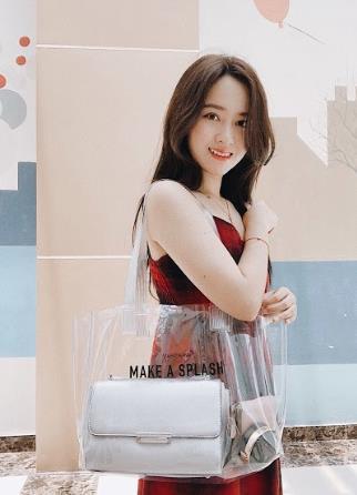 Chiếc túi nào đang khiến các hot girl Instagram Việt phát cuồng trong mùa Summer Fall 2018ZZZ - ảnh 6