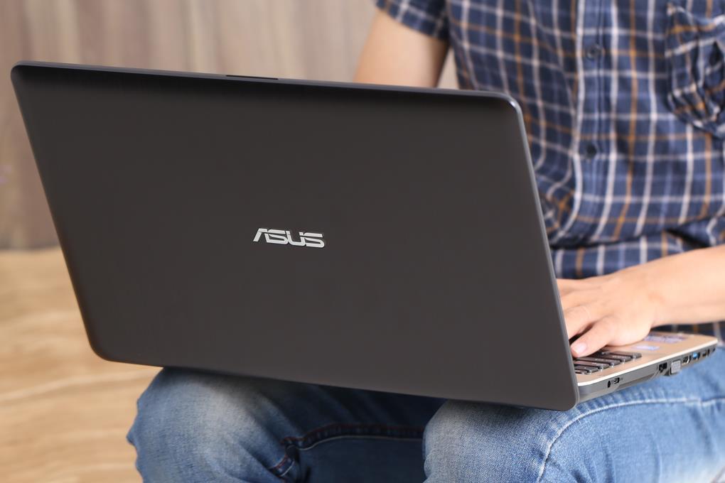 """Điểm mặt gọi tên 3 laptop giá gần 11 triệu kèm khuyến mãi hời"""" tại Thế Giới Di Động - Ảnh 1."""
