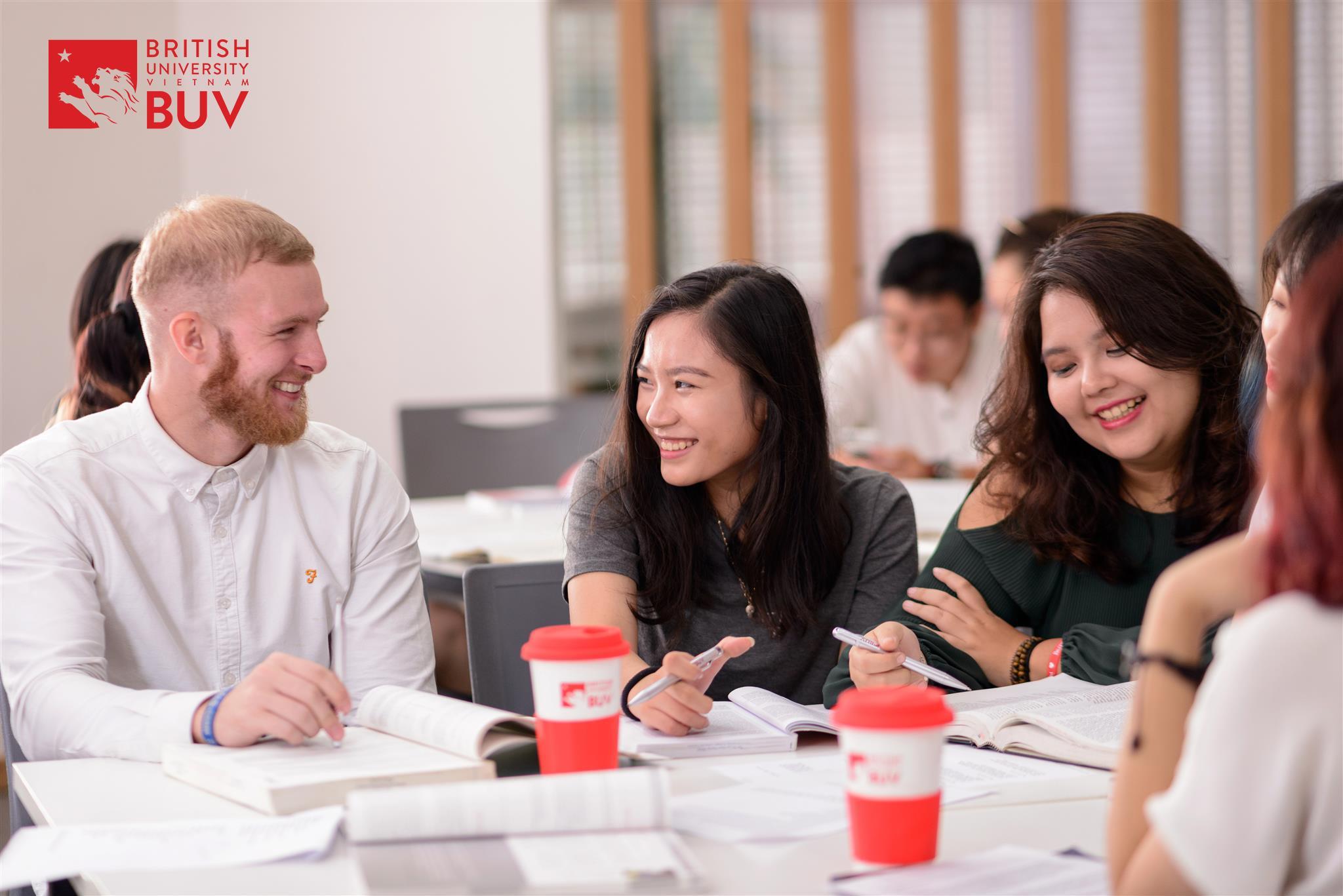 BUV thành lập quỹ học bổng Phát triển giáo dục địa phương lên đến hàng chục tỷ đồng - Ảnh 1.