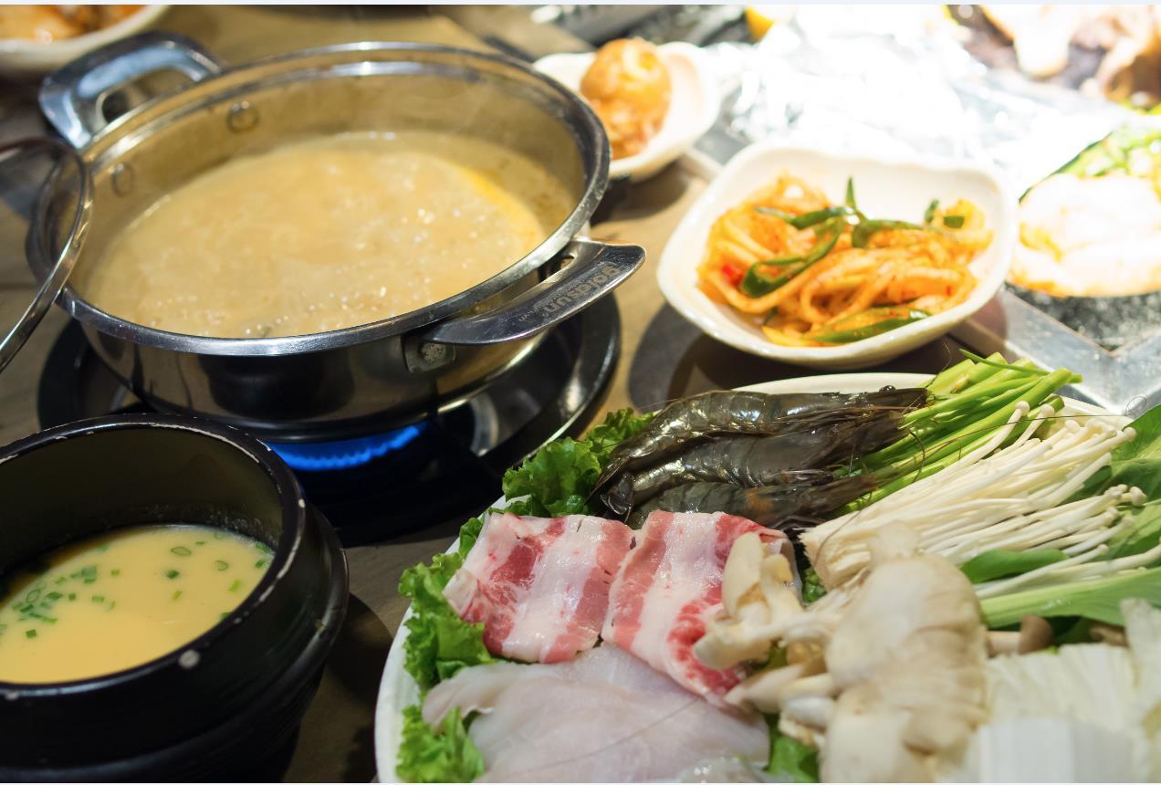 Thưởng thức buffet thịt nướng bàn đá độc đáo từ Hàn Quốc - Ảnh 8.