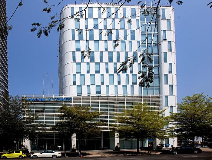 Vinamilk tiếp tục lọt Top 10 công ty nộp thuế thu nhập doanh nghiệp nhiều nhất Việt Nam - Ảnh 2.