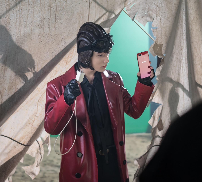 """Những hình ảnh hậu trường cực ngầu của Sơn Tùng khi nhập vai """"quái xế mô-tô"""" - Ảnh 7."""