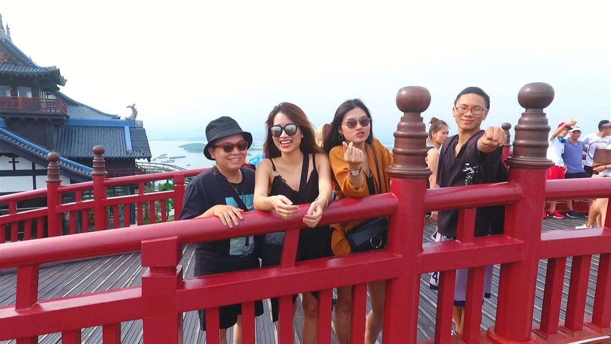 Sau cầu Vàng Đà Nẵng, cầu Koi Hạ Long đang được rầm rộ check in - Ảnh 5.