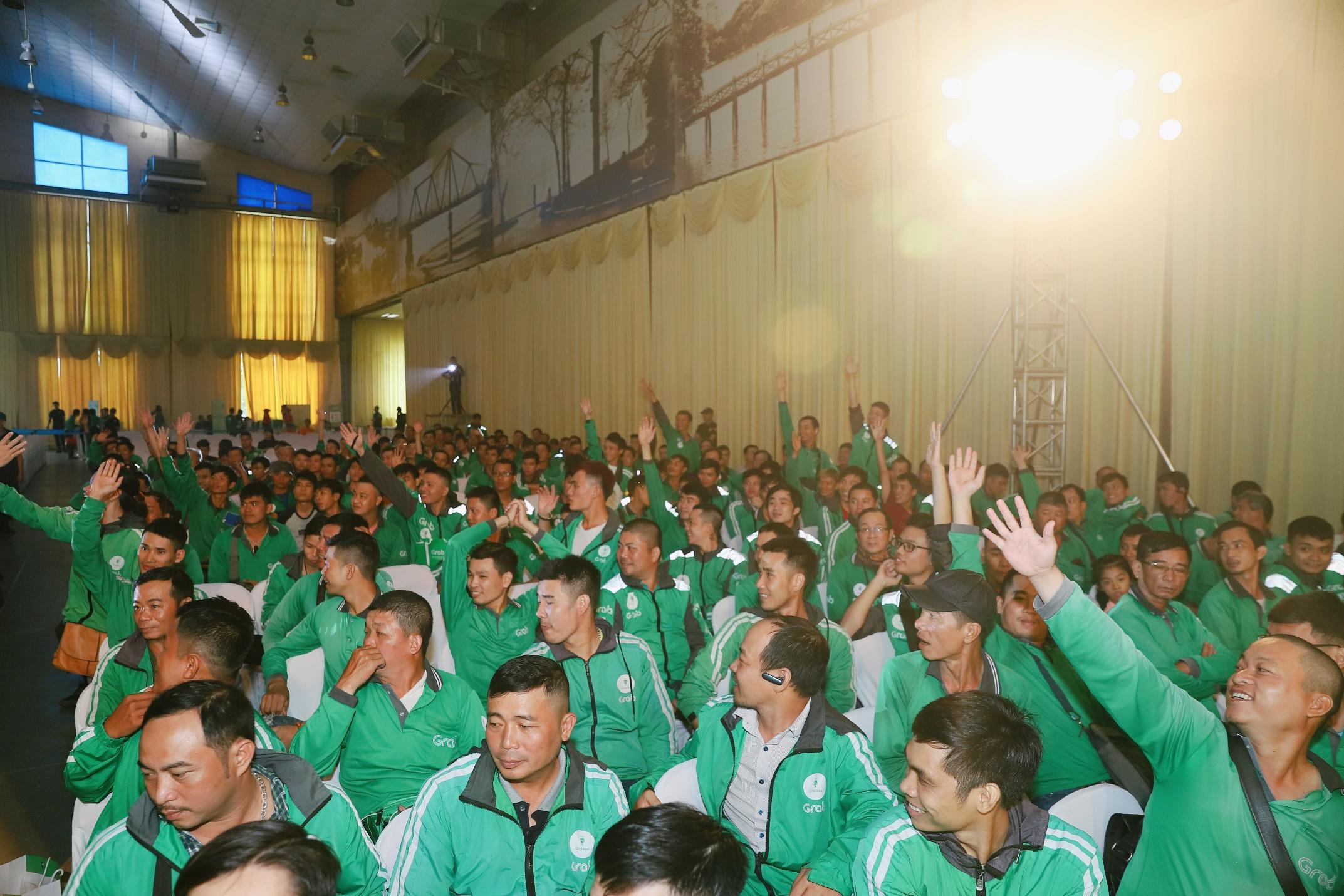 Hà Nội: Mặc mưa bão, Ngày hội tài xế công nghệ vẫn quy tụ hàng ngàn người tham gia - Ảnh 2.