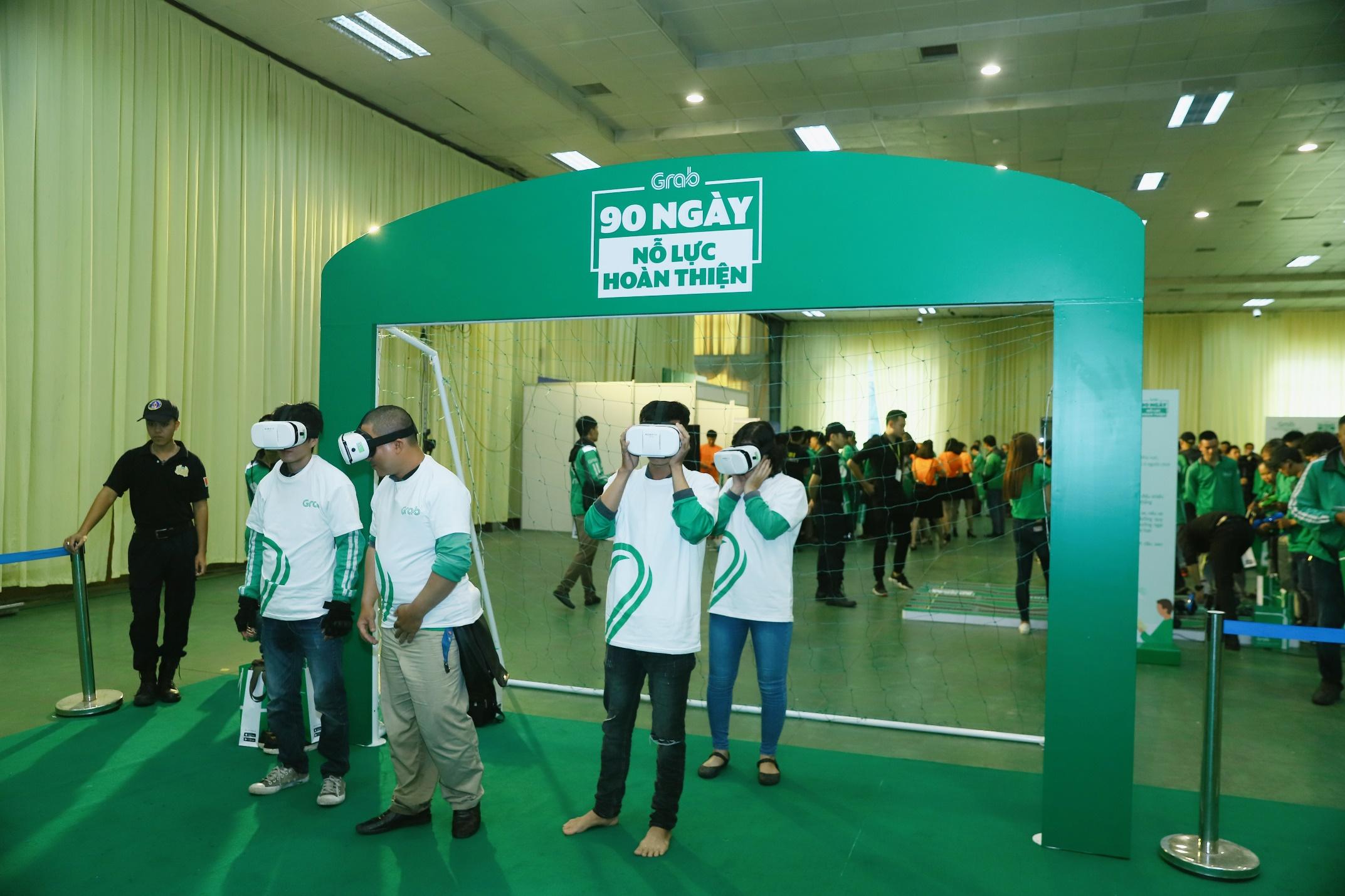 Hà Nội: Mặc mưa bão, Ngày hội tài xế công nghệ vẫn quy tụ hàng ngàn người tham gia - Ảnh 3.