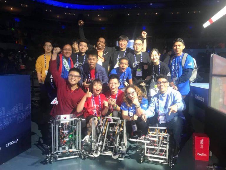 Teen FPT mang robot Việt, chuồn chuồn tre đi thi đấu quốc tế, kết quả thật bất ngờ - Ảnh 4.