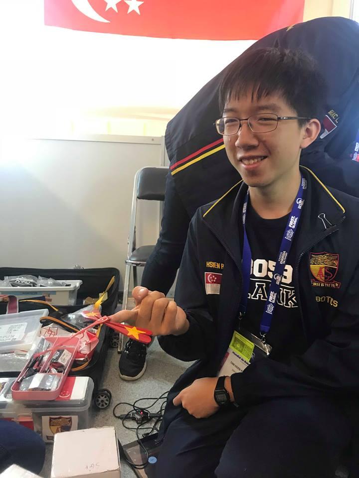Teen FPT mang robot Việt, chuồn chuồn tre đi thi đấu quốc tế, kết quả thật bất ngờ - Ảnh 5.