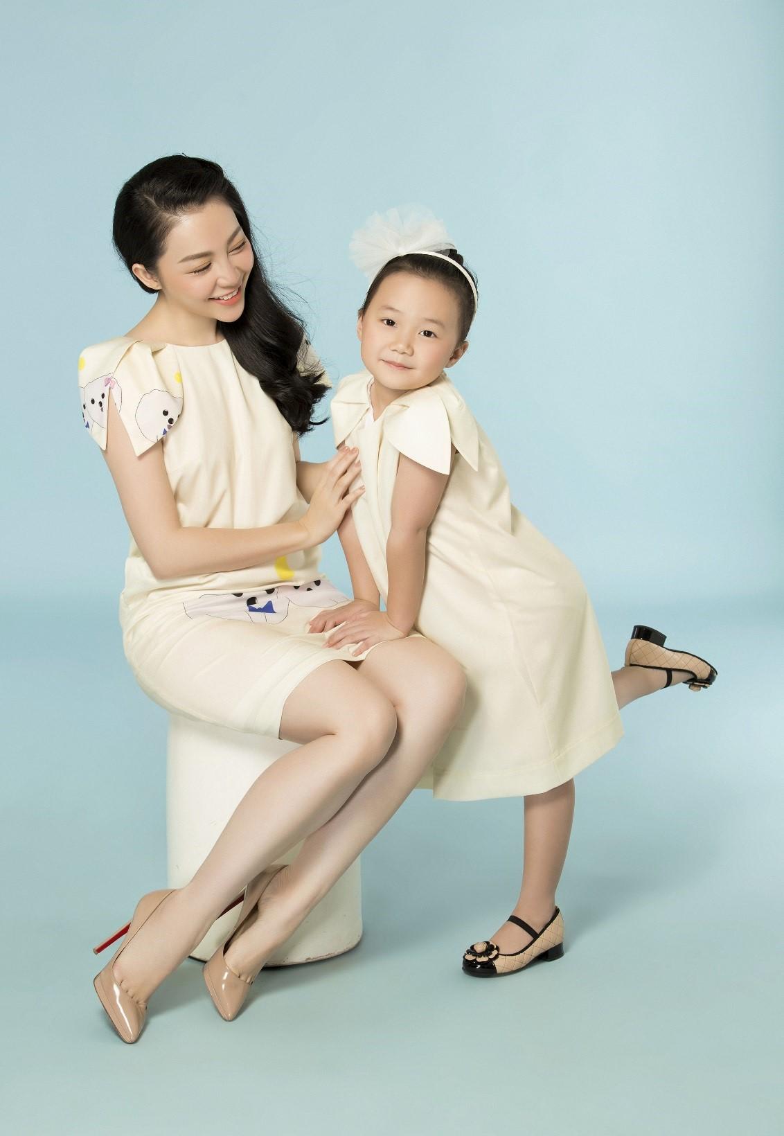 Cùng Vy Oanh, Linh Nga, Trương Quỳnh Anh và Ngọc Diễm mang nụ cười đến trẻ em Việt Nam - Ảnh 2.