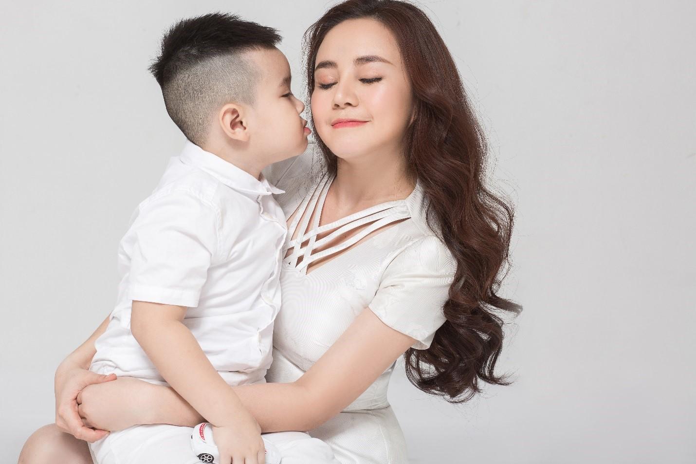 Cùng Vy Oanh, Linh Nga, Trương Quỳnh Anh và Ngọc Diễm mang nụ cười đến trẻ em Việt Nam - Ảnh 9.