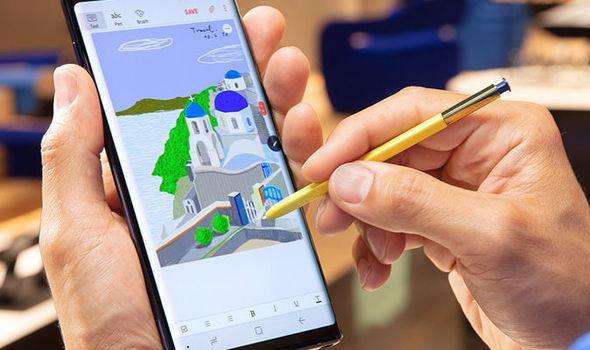 Galaxy Note9 -Chiếc smartphone dành cho những người trẻ làm hết sức, chơi hết mình - Ảnh 2.