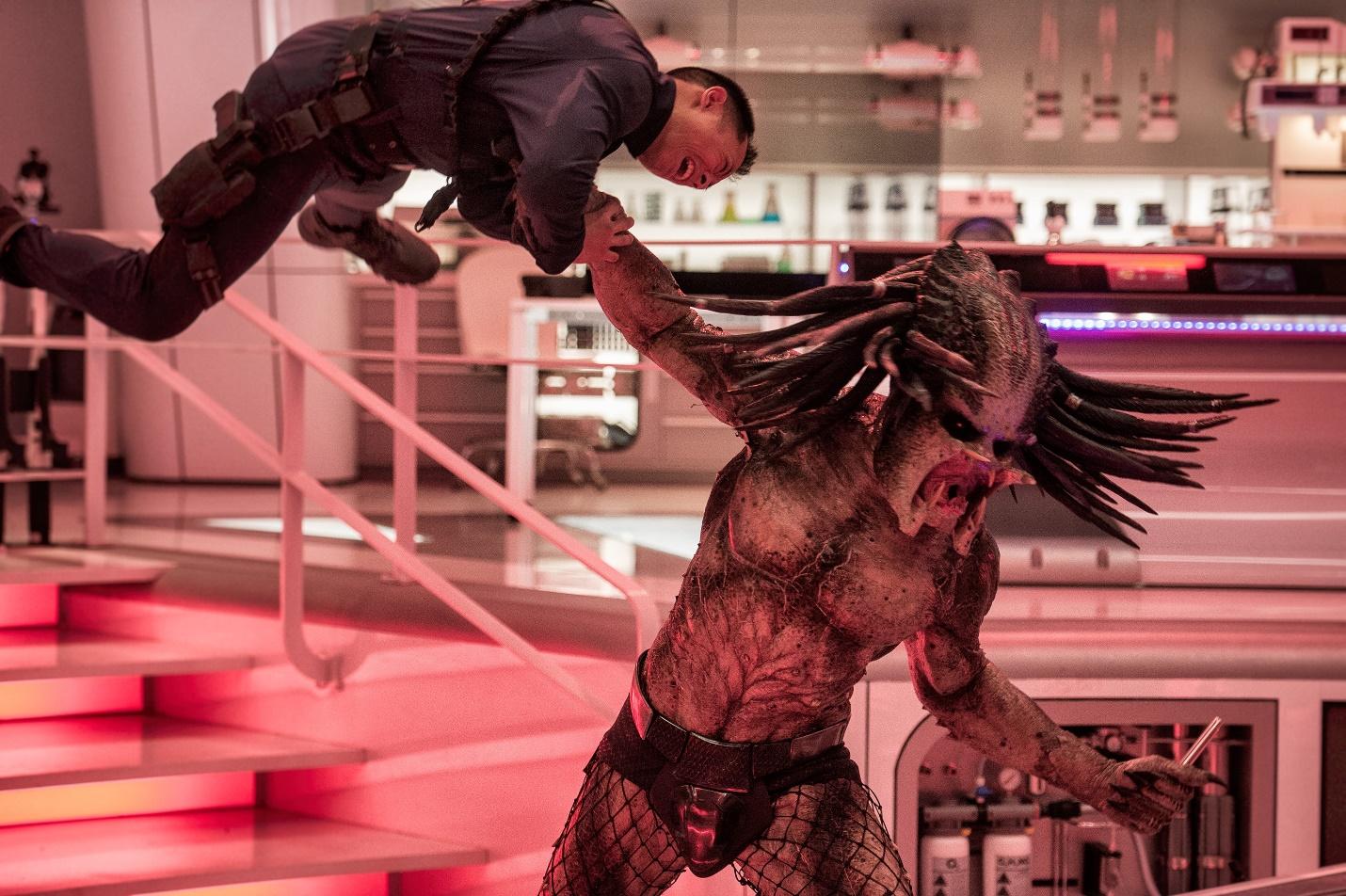 """""""The Predator"""" - Mãn nhãn với những pha hành động kịch tính và rùngrợn của các quái thú vô hình - Ảnh 1."""