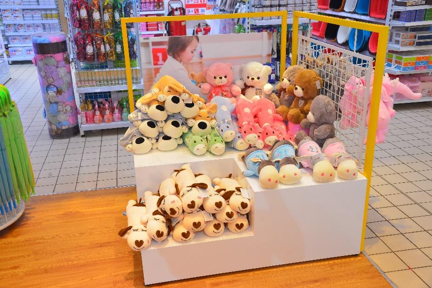 LOOKKOOL – Chuỗi cửa hàng khiến giới trẻ mê mẩn với không gian hiện đại - Ảnh 5.