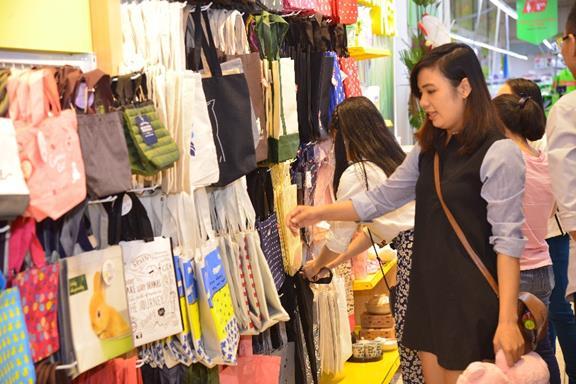 LOOKKOOL – Chuỗi cửa hàng khiến giới trẻ mê mẩn với không gian hiện đại - Ảnh 6.