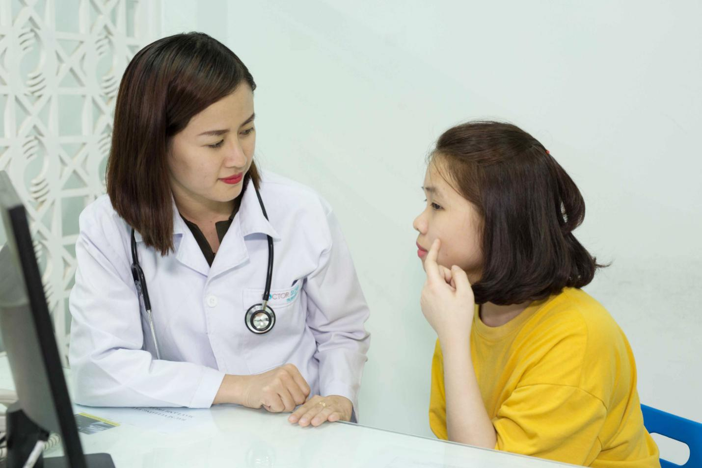 Khi doanh nghiệp và bác sĩ da liễu cùng đồng hành với người điều trị - Ảnh 2.
