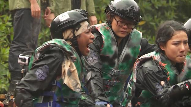 CBTHM: Màn thủy chiến sống còn của team Huỳnh Tiên và Rima Thanh Vy - Ảnh 16.