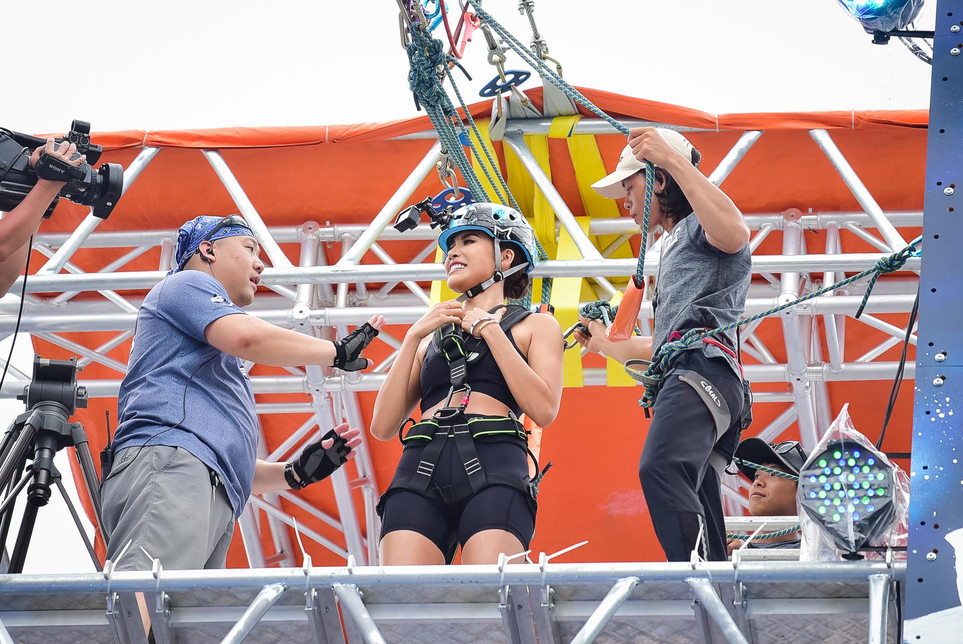 Sao Việt và giới trẻ Sài thành rủ nhau thách thức với zipline mạo hiểm - Ảnh 1.