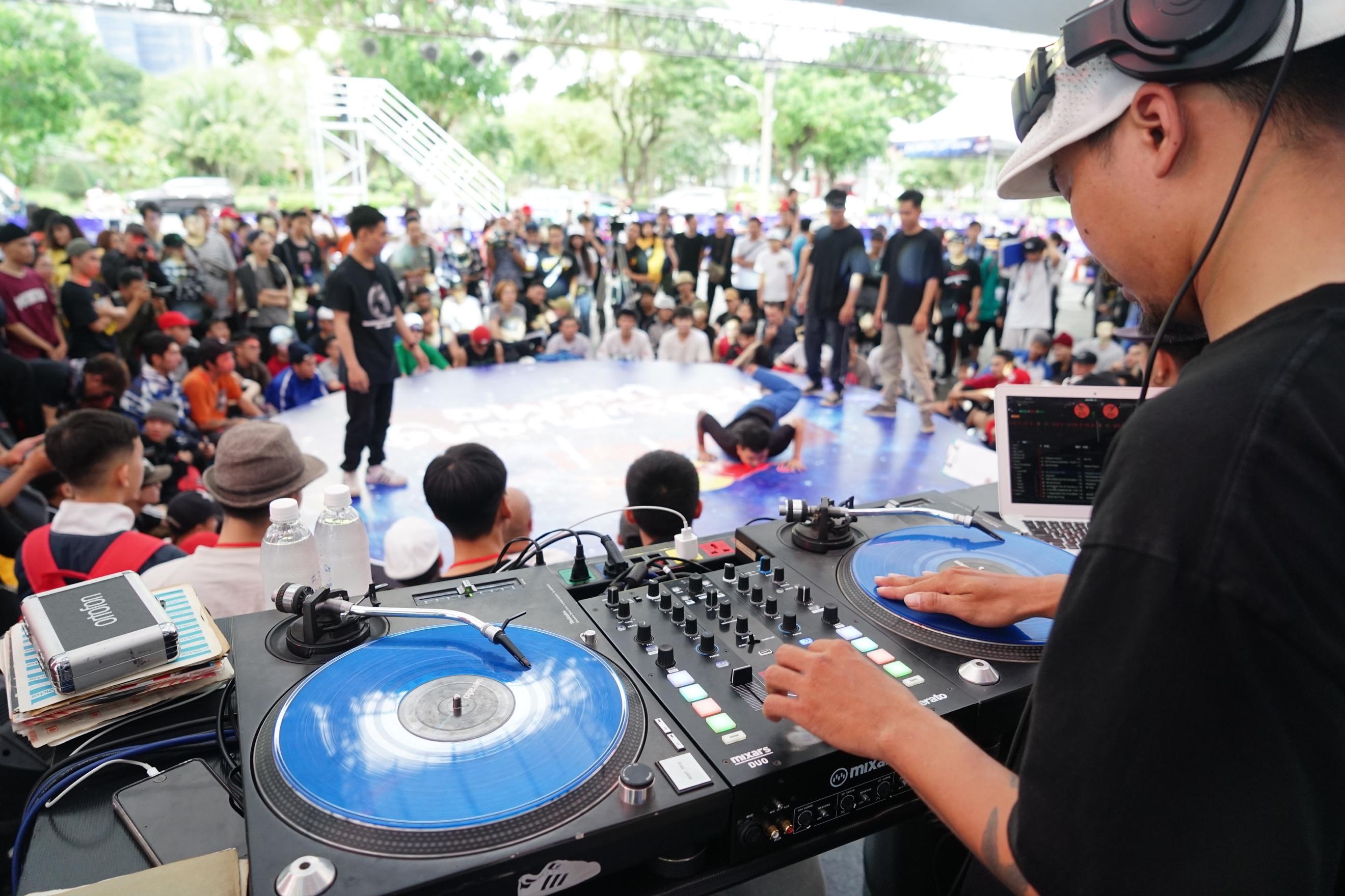Sao Việt và giới trẻ Sài thành rủ nhau thách thức với zipline mạo hiểm - Ảnh 11.