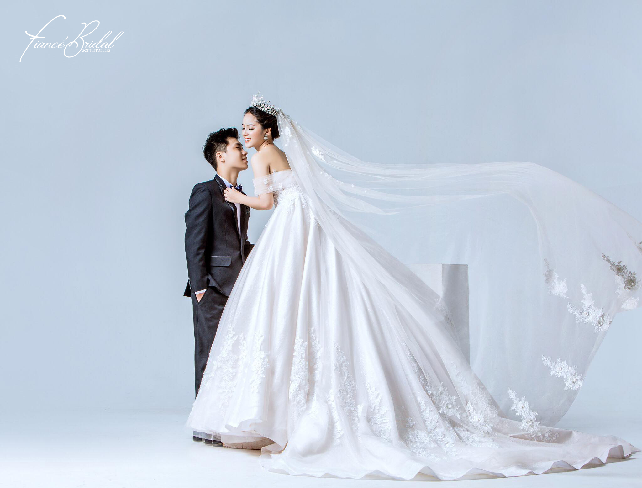 Nếu có ý định tìm cho mình một chiếc váy cưới thật chất, đây là gợi ý cho bạn - Ảnh 2.
