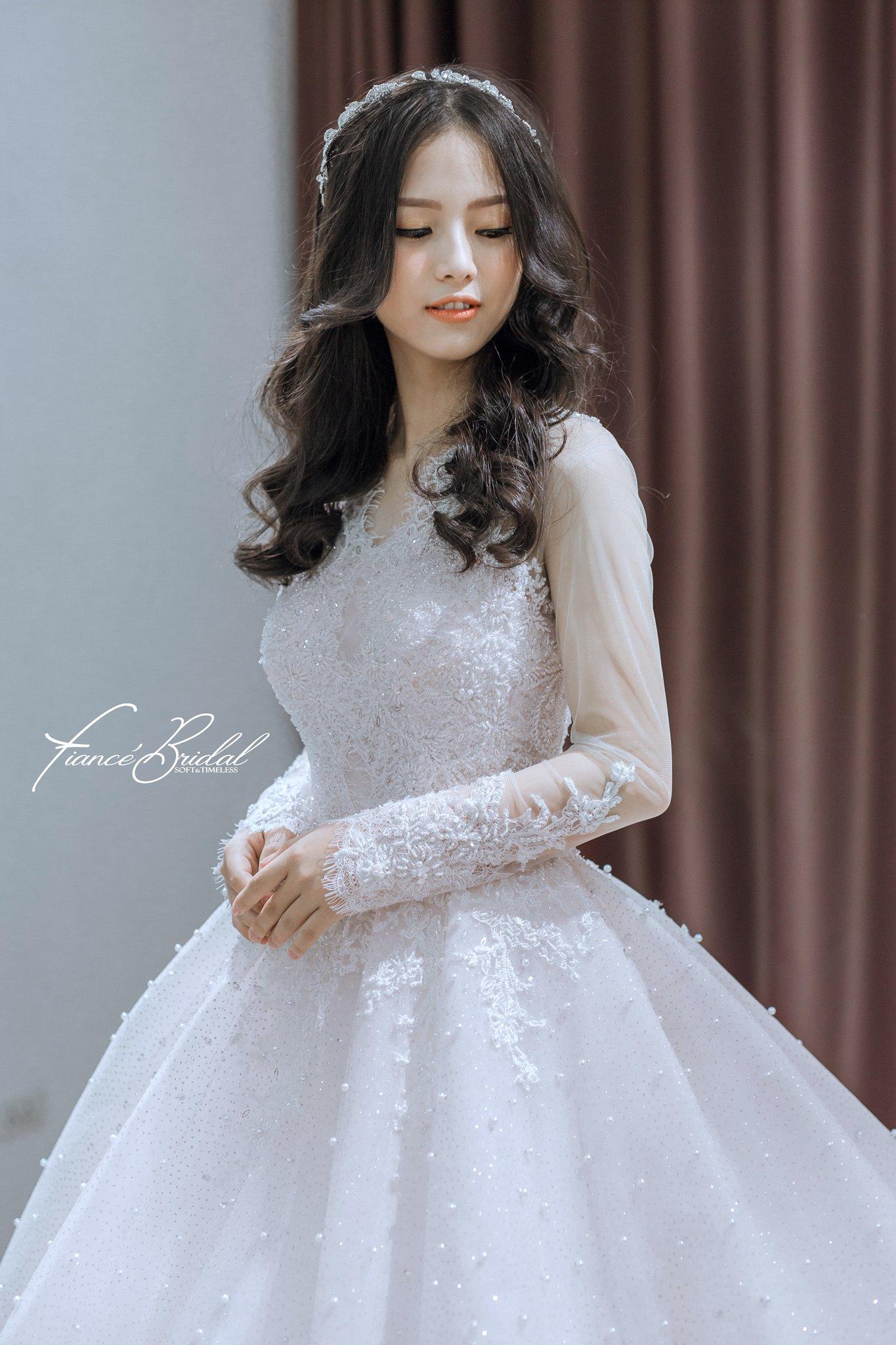 Nếu có ý định tìm cho mình một chiếc váy cưới thật chất, đây là gợi ý cho bạn - Ảnh 5.