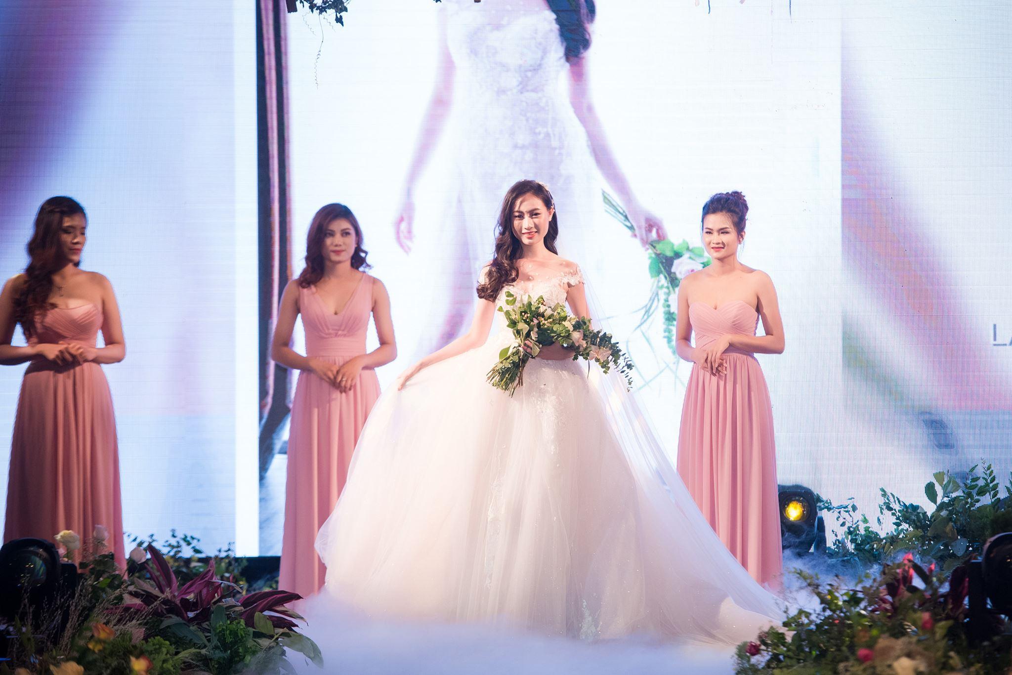 Nếu có ý định tìm cho mình một chiếc váy cưới thật chất, đây là gợi ý cho bạn - Ảnh 7.