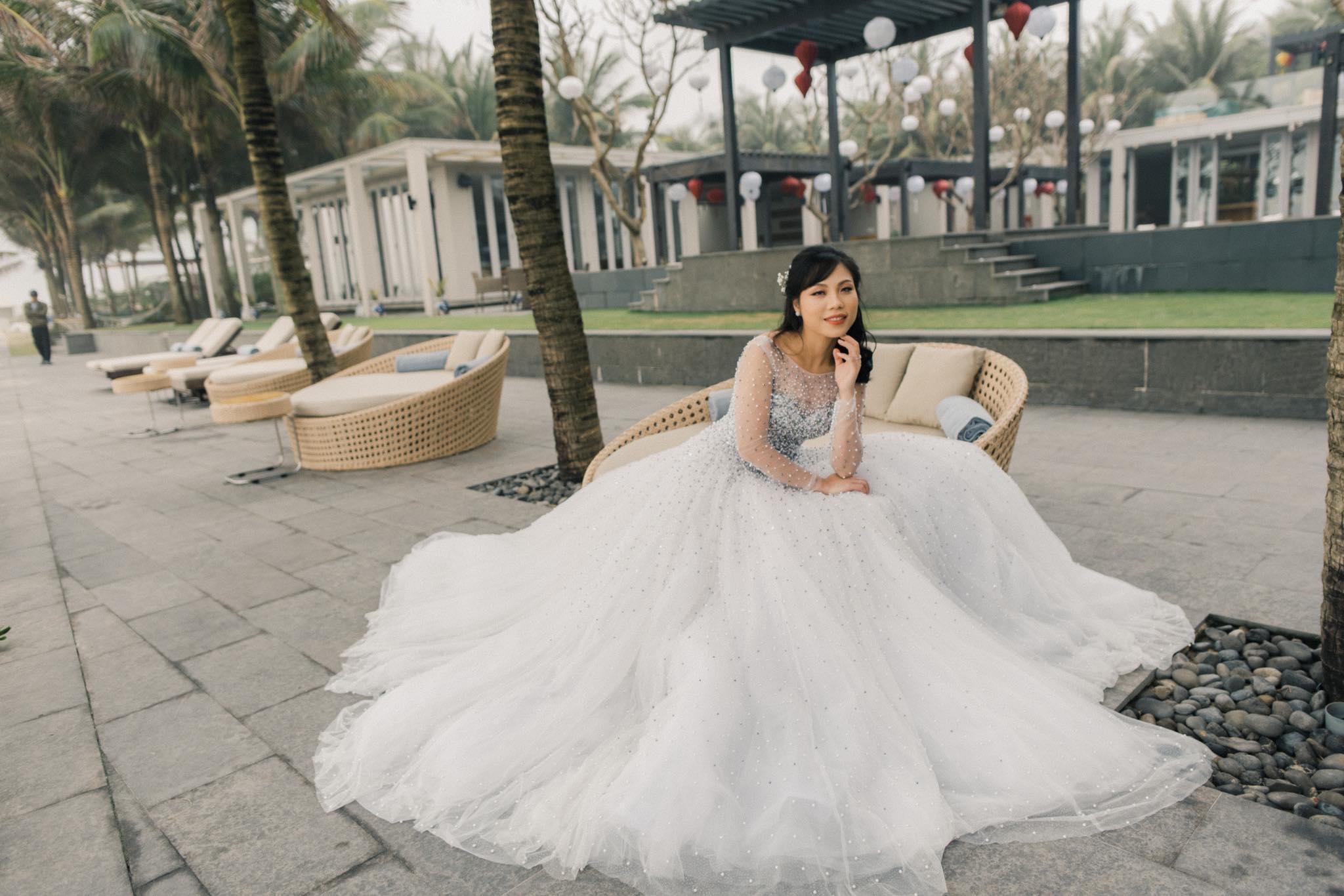 Nếu có ý định tìm cho mình một chiếc váy cưới thật chất, đây là gợi ý cho bạn - Ảnh 8.