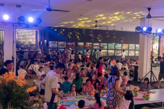 """Rộn ràng đêm hội """"Gia đình là số 1"""" cho thiếu nhi quận Hoàng Mai, Hà Nội - Ảnh 2."""