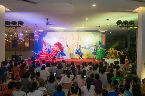 """Rộn ràng đêm hội """"Gia đình là số 1"""" cho thiếu nhi quận Hoàng Mai, Hà Nội - Ảnh 3."""