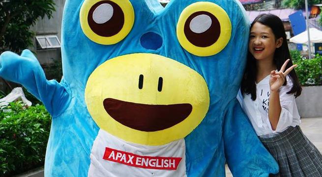 Quán quân The Voice Kids Dương Ngọc Ánh tỏa sáng trong đêm hội trăng rằm Apax English - Ảnh 2.
