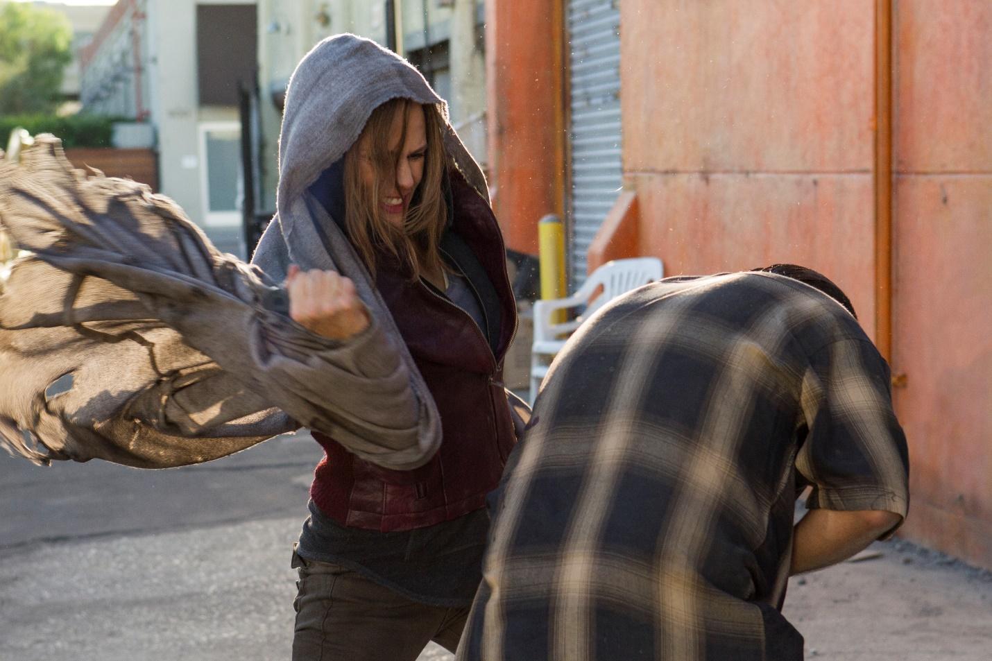 Peppermint – Màn tái xuất đậm chất hành động đầy ấn tượng của Jennifer Garner - Ảnh 4.