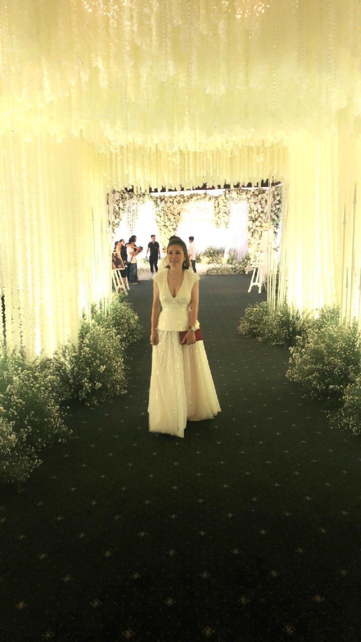 Nữ doanh nhân bí ẩn xuất hiện tại đám cưới Trường Giang - Nhã Phương - Ảnh 3.
