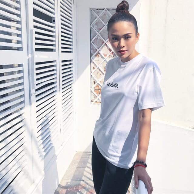 Midu cùng dàn sao Việt xuống phố chuẩn phong cách thời thượng chỉ với áo thun trắng basic - Ảnh 5.