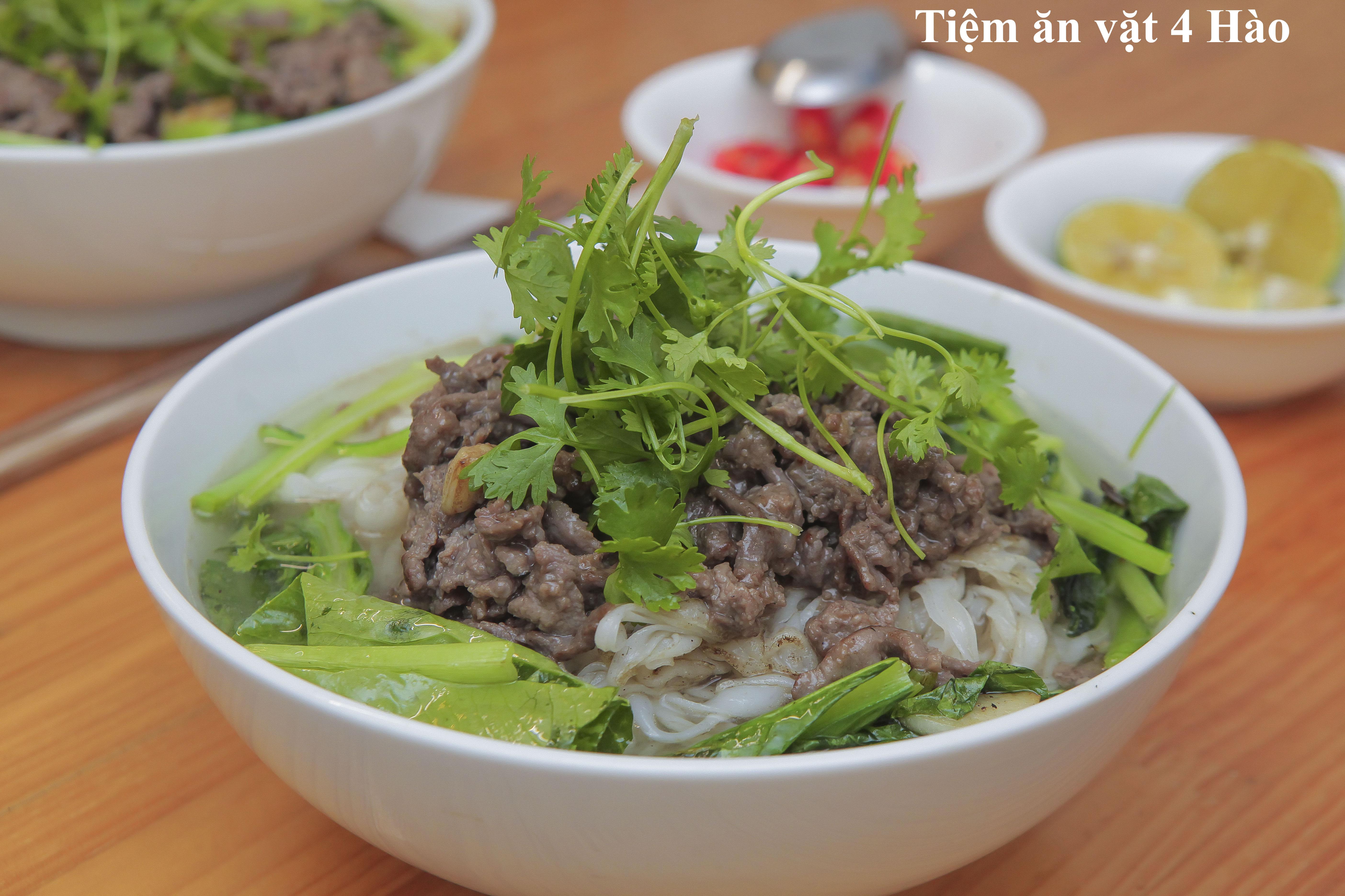 Phở và bún bò Nam Bộ: 2món ngon nức tiếng được CNN khuyên nên thử khi đến Việt Nam - Ảnh 1.