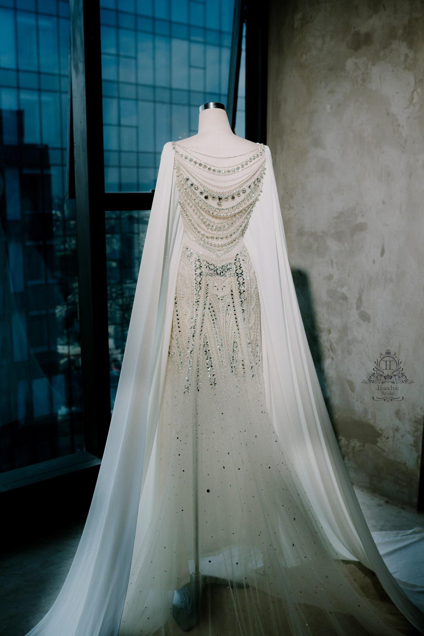 Váy cưới Lan Khuê trị giá 500 triệu có ý tưởng từ Nam Phương hoàng hậu - Ảnh 3.