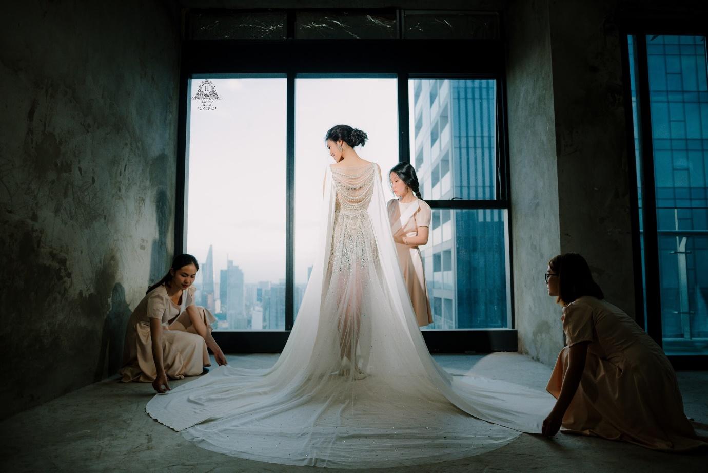 Váy cưới chính thức của Lan Khuê trị giá tới 500 triệu đồng đã được tiết lộ - Ảnh 4.