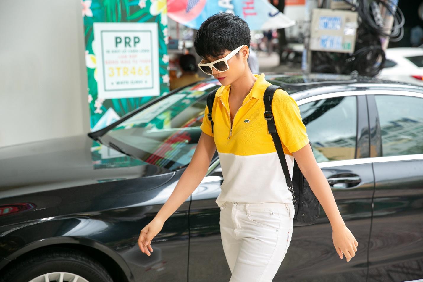 Hoa hậu HHen Niê đến spa tắm trắng trước thềm cuộc thi Hoa hậu Hoàn vũ Thế giới? - Ảnh 4.
