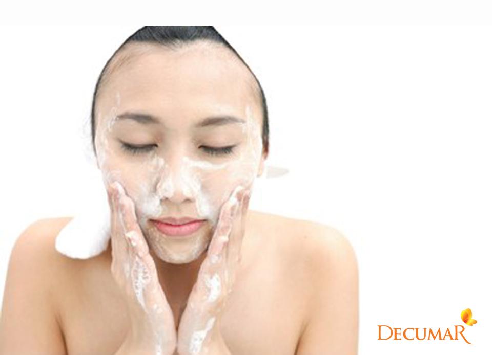 """Đừng tưởng cứ rửa mặt """"đàng hoàng tử tế"""" là sẽ hết mụn, quan trọng là có phù hợp hay không - Ảnh 2."""