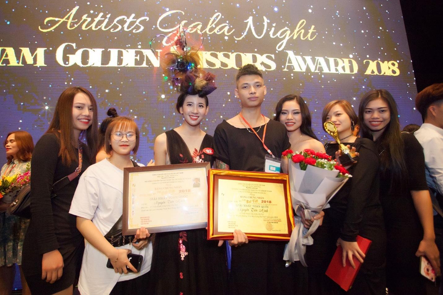Chủ nhân Giải nhất Cây kéo vàng Đất Việt 2018 - Chàng trai 9x khởi nghiệp từ trông coi tiệm net - Ảnh 1.