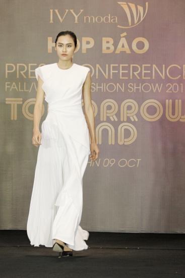 IVY moda hợp tác cùng NTK từng làm việc với nhà mốt lừng danh Alexander McQueen - Ảnh 7.