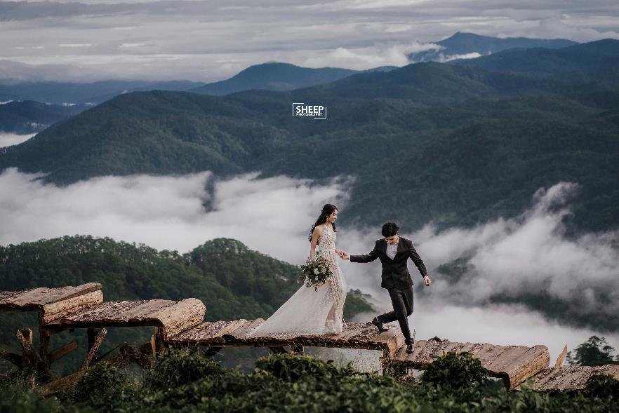 """""""Săn mây trên đỉnh Cầu Đất cùng cặp đôi yêu Boho Wedding Style - Ảnh 4."""