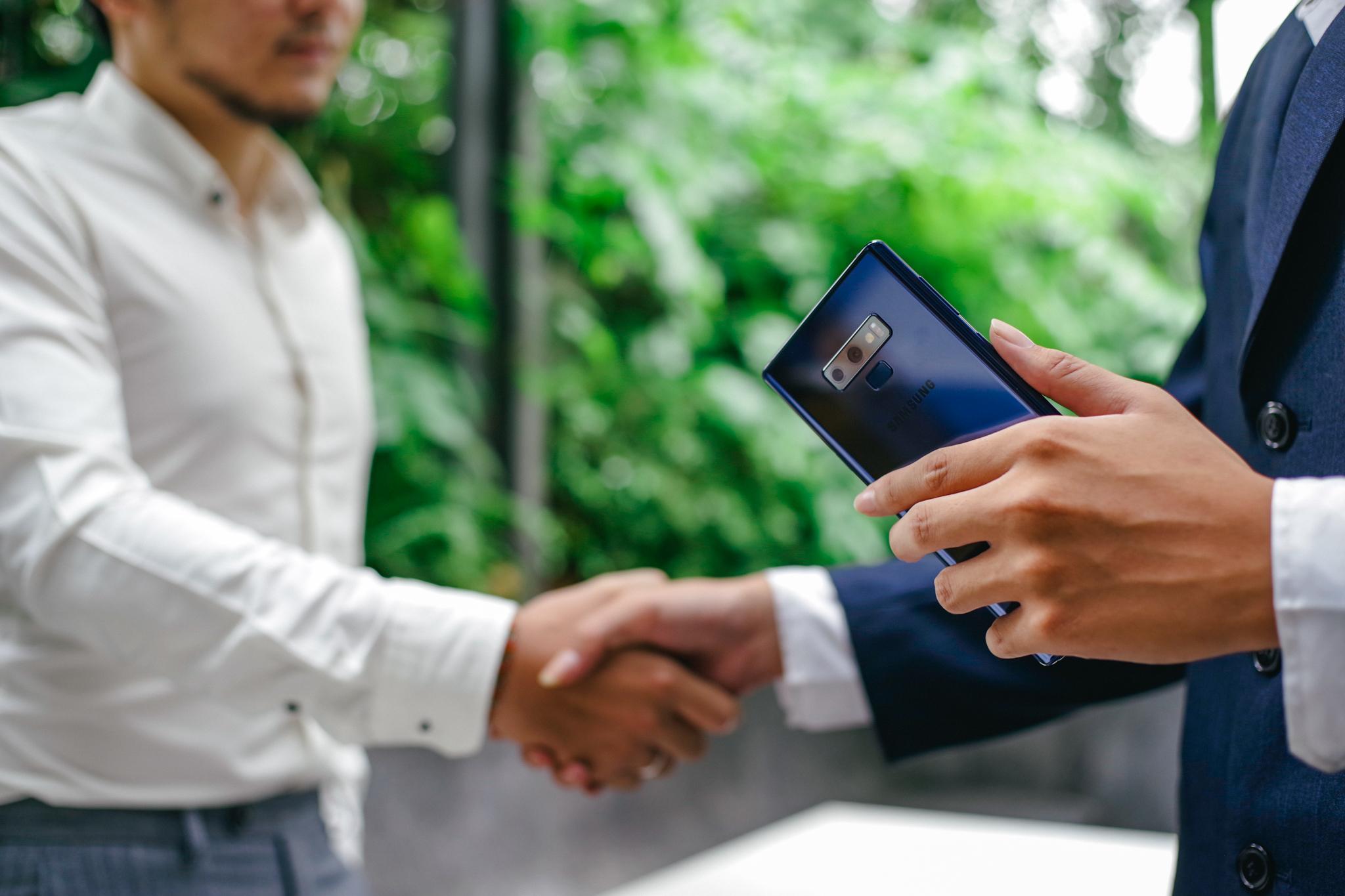 Không chỉ là điện thoại, Galaxy Note9 còn là công cụ tuyệt vời cho chàng trai này kiếm tiền hàng ngày - Ảnh 2.