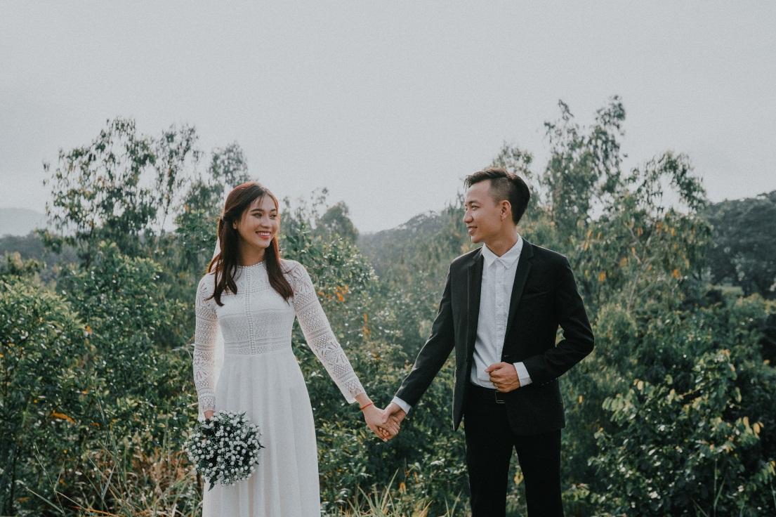 Phong cách đơn giản lên ngôi trong mùa chụp ảnh cưới 2018 - Ảnh 2.